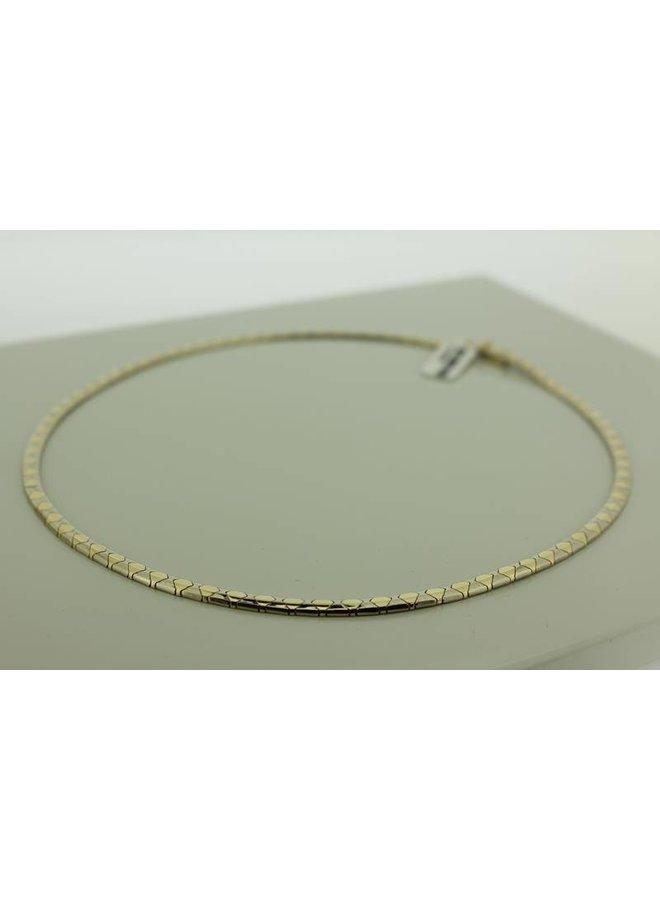 14 carat gold necklace/choker