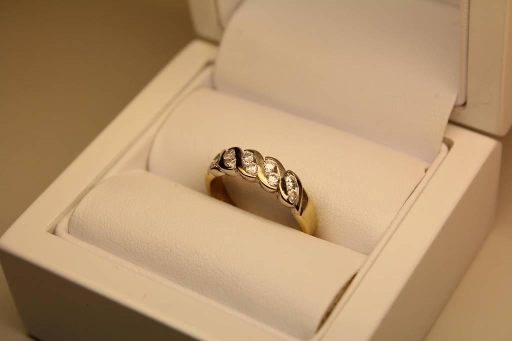 Vintage 14 carat gold bicolor ring with zirconia