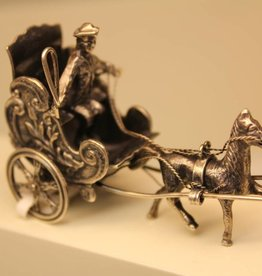 Zilveren miniatuur paard en wagen