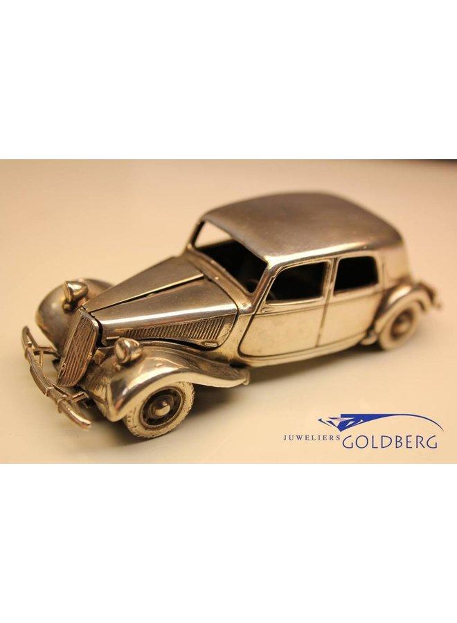 Silver Citroën Avant Traction miniature
