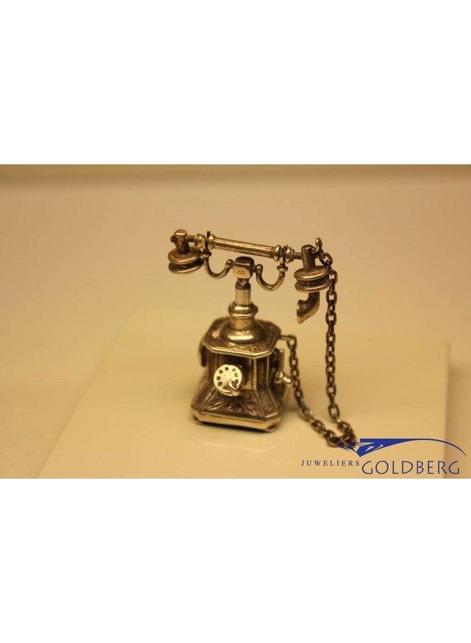 Zilveren antieke telefoon