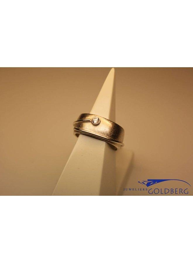 Handgemaakte zilveren ring met zirconia eigen atelier
