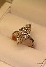 18 carat gold Art Deco ring with diamond