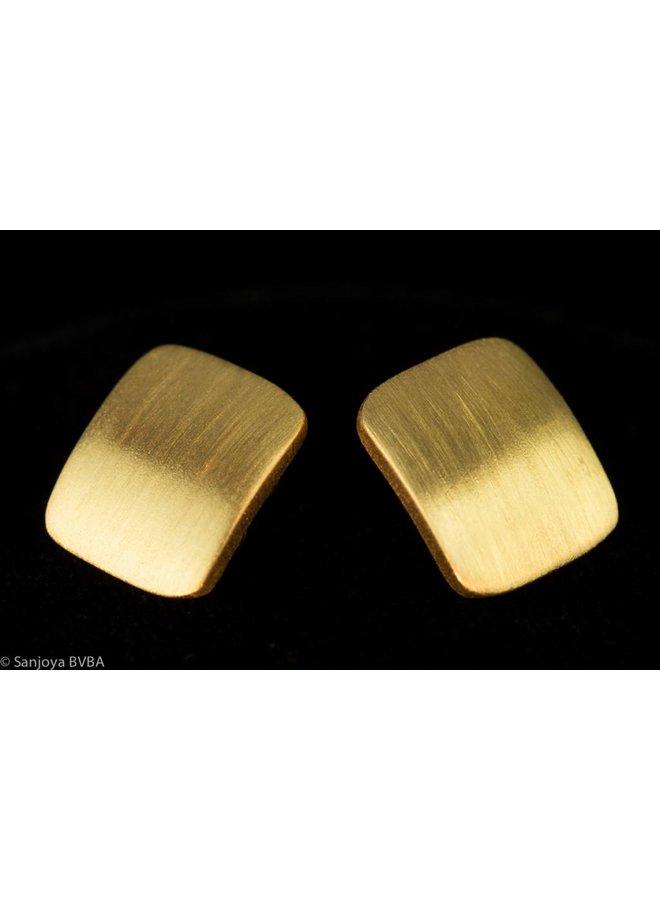 Vergulde zilveren matte vierkante oorbellen, Sanjoya