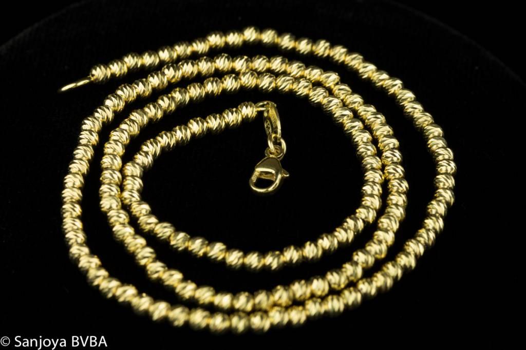 Sanjoya Vivid and sparkling gold plated silver necklace, Sanjoya