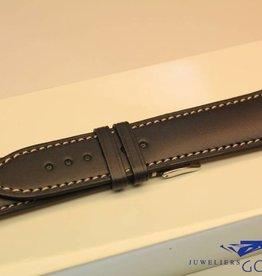 Handgemaakte horlogeband ECO kalfsleder zwart met creme wit stiksel 22/20mm