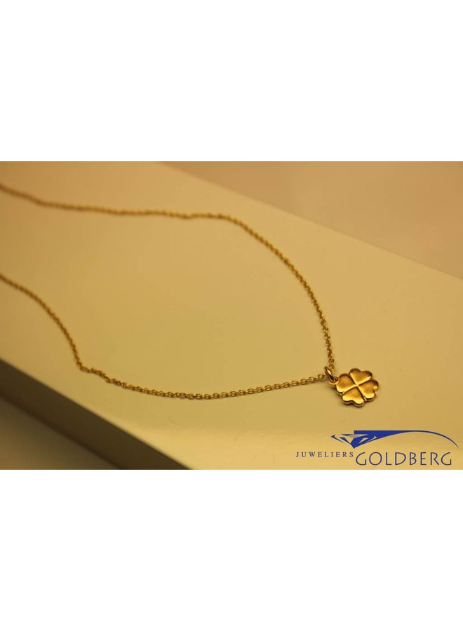 Gold plated mini necklace with 4 leaf clover