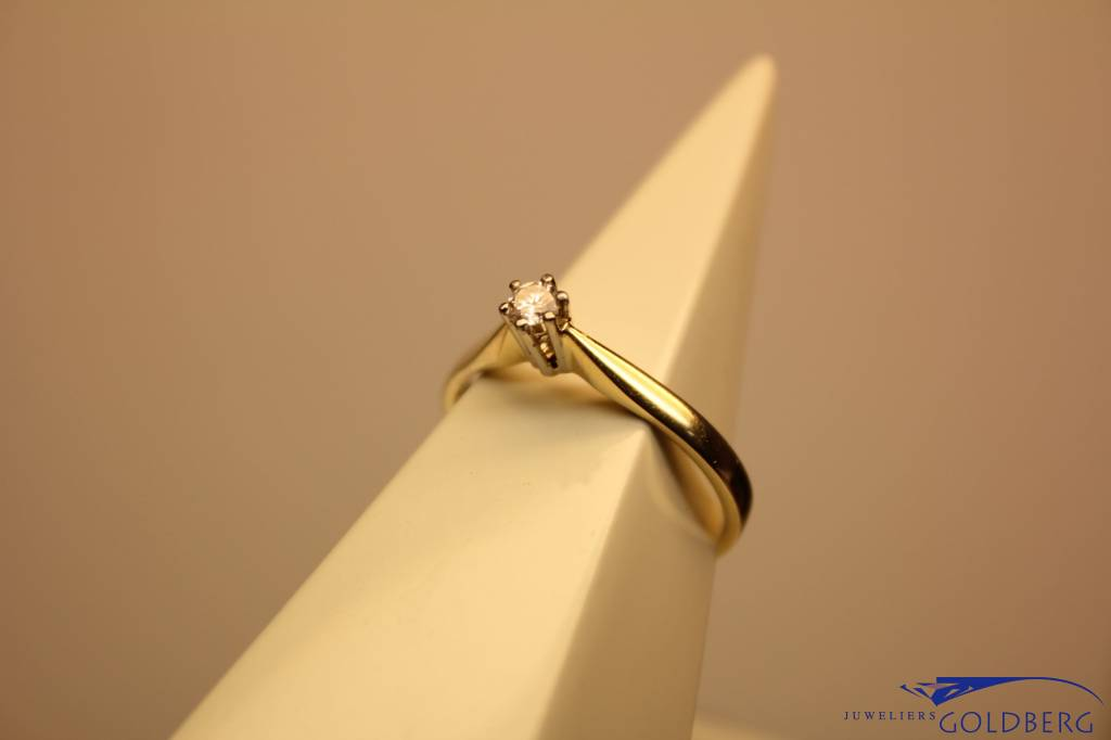 14 carat gold solitaire ring with 0.10ct diamond