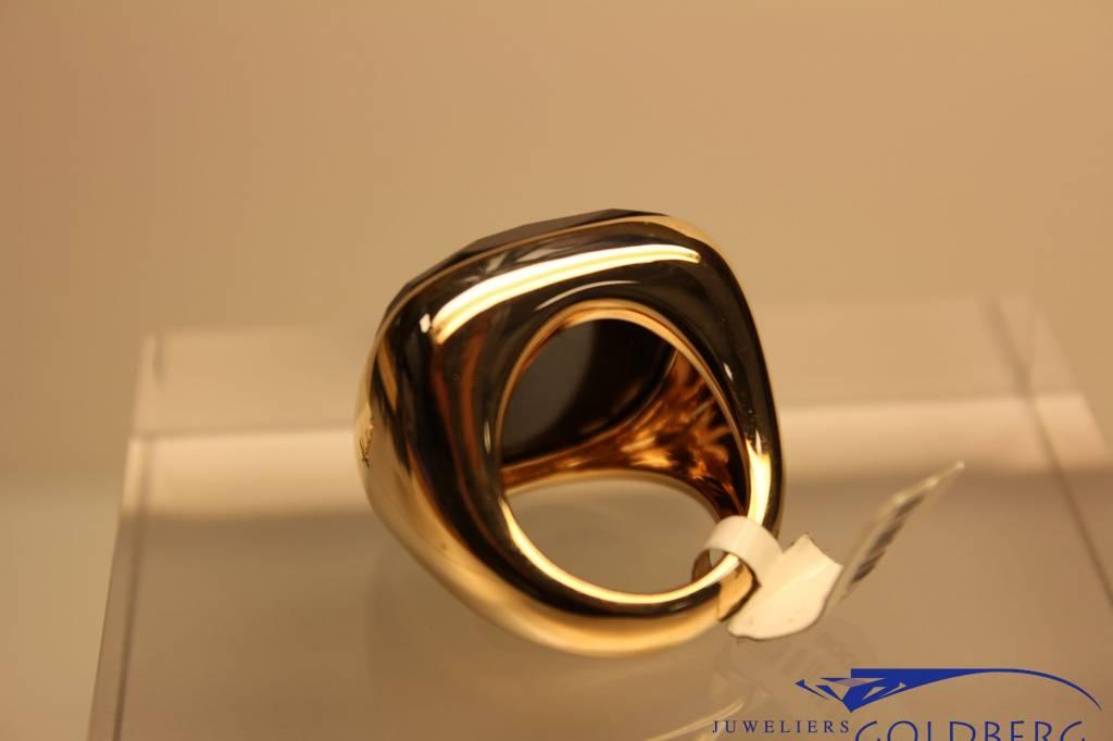 Rose gold Pomellato Victoria collection sqare jet ring
