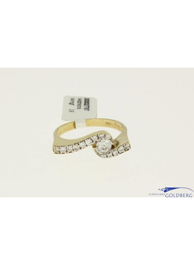 Vintage 14k fantasie alliance zirconia ring