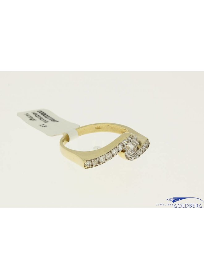 Vintage gold fantasy alliance ring with zirconia's