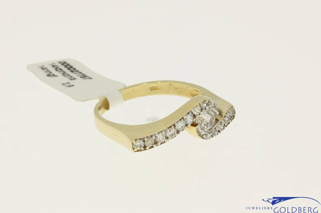 Vintage 14k fantasie alliance zirconia ring