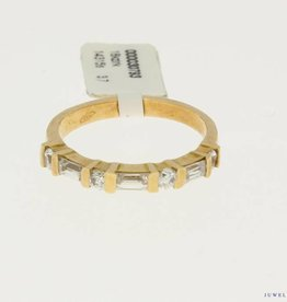 vintage 18k rose gold alliance ring with zirconia's