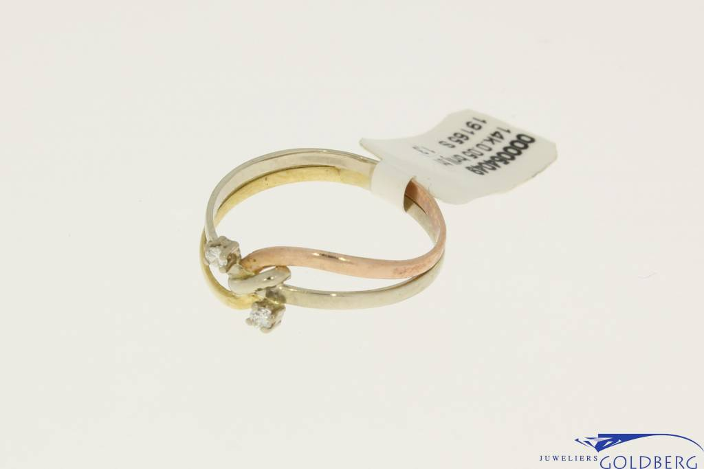 Vintage 14 carat tricolor gold ring with ca. 0.04ct brilliant cut diamond