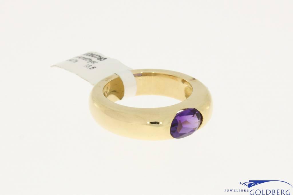 18k gouden ring met amethyst, strak en massief model