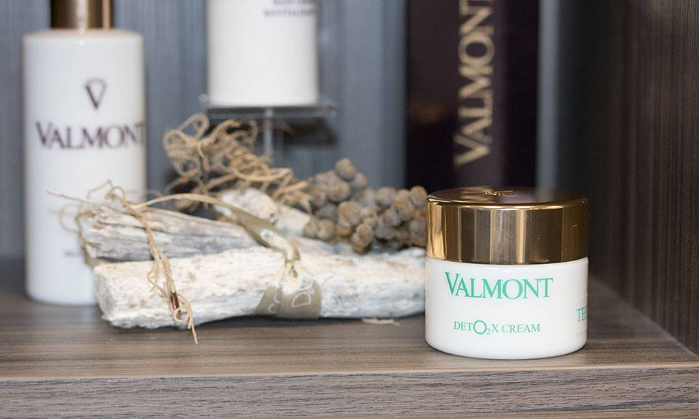 Review: Valmont Det02x Cream