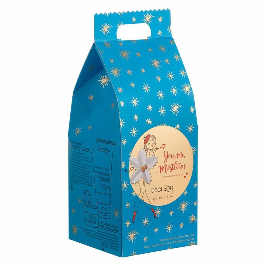 You, Me, Mistletoe Light Hydration Gift Set