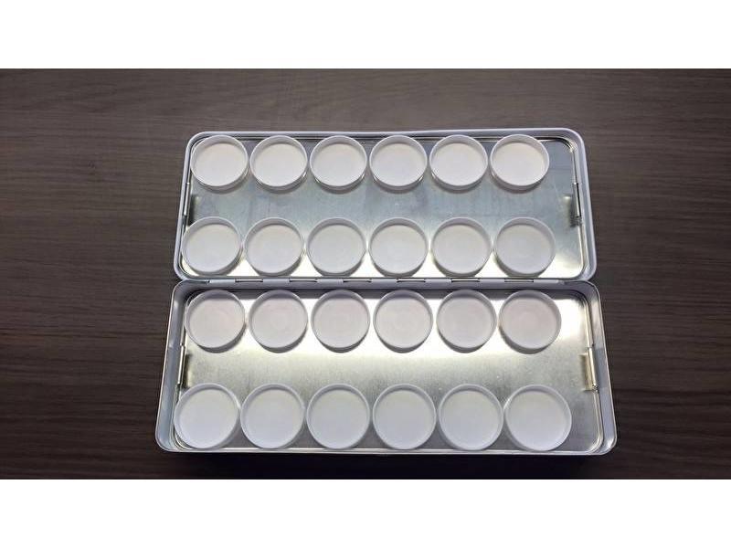Korneliya Palet Metaal (24 Cups)