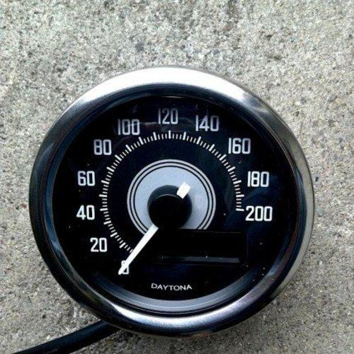 Daytona Velona Kilometerteller 200 km/h Chrome