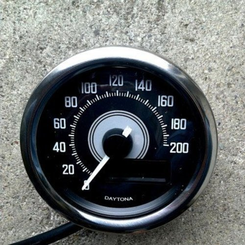Daytona Verona Digitaler Speedo Chrome 200KM/H