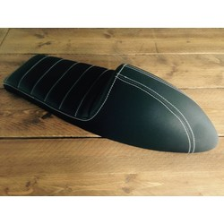 Upholstered Cafe Racer Seat Tuck N' Roll Stitch Schwarz Type 45