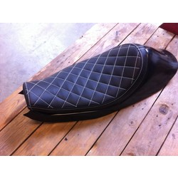 Sportster Tracker Seat Diamond Black 47