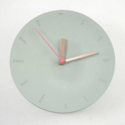 Studio Harm en Elke Wandklok porselein groot groen - roze