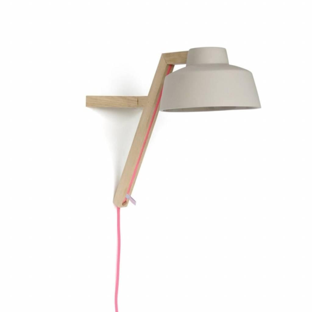 Studio Harm en Elke Wandlamp eikenhout grijs porselein roze snoer