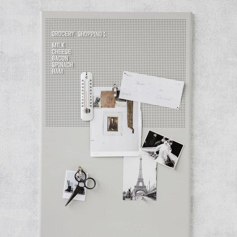 House Doctor Magneetbord grijs met 424 cijfers tekens en letters