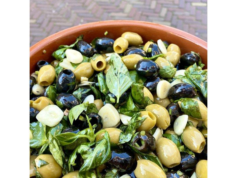 Knoflook basilicum olijven