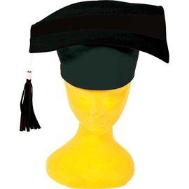 Doctoraal hoed afgestudeerd