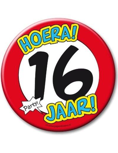 XL button 16 jaar